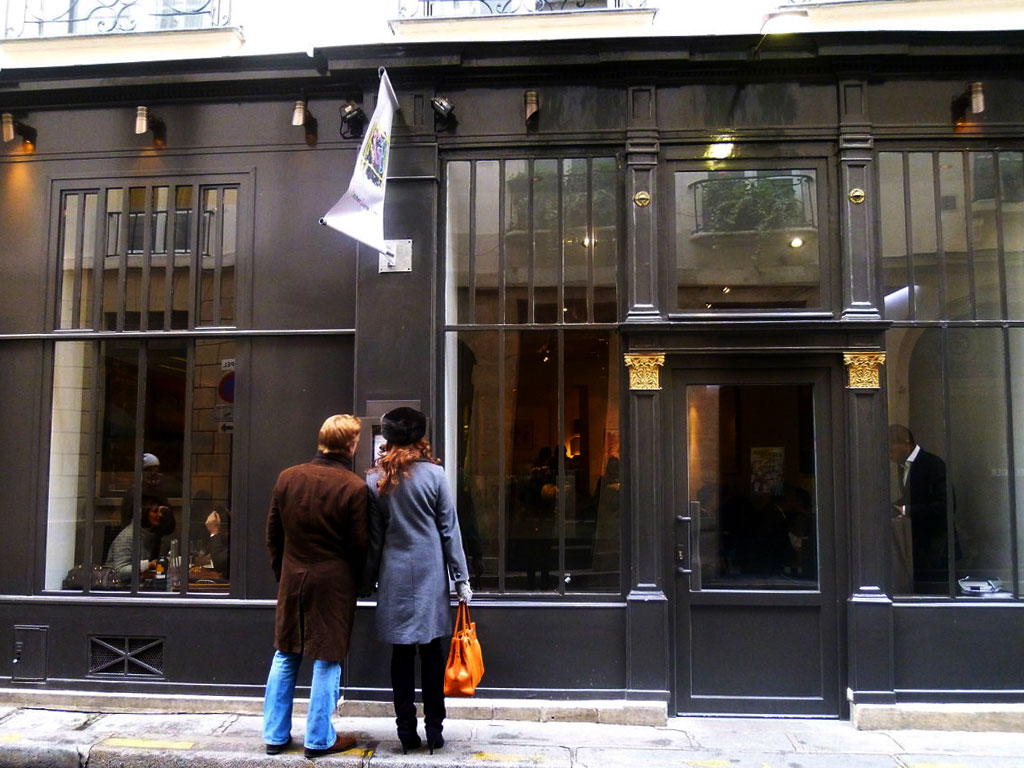 KGB (Kitchen Galerie Bis), restaurant à Paris