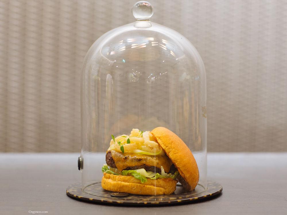 Les Burgers de Coquette à l'Hôtel W, Paris