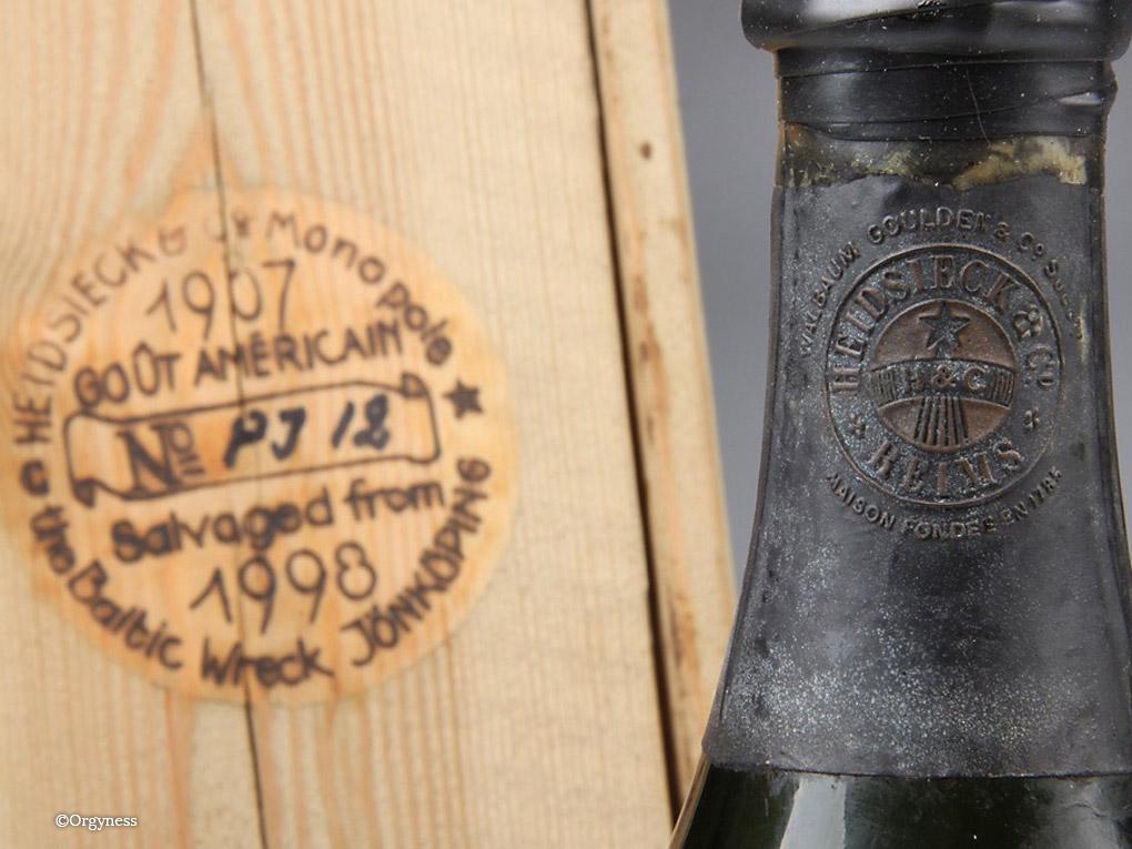 Une bouteille de champagne Heidsieck Monopole 1907 « repêché » aux enchères